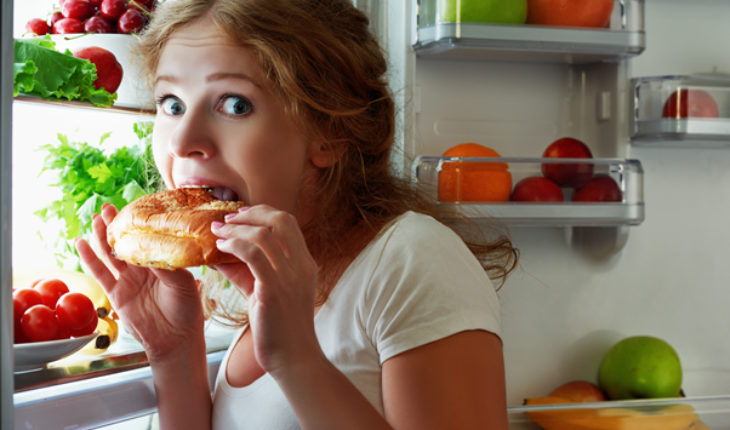 Yes, you can have dinner after 6 and still lose weight